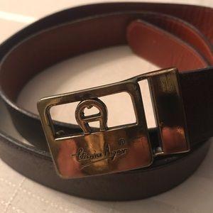 ETIENNE AIGNER brown leather belt. 36 in.